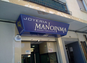 CARTEL LUMINOSO MANOINMA